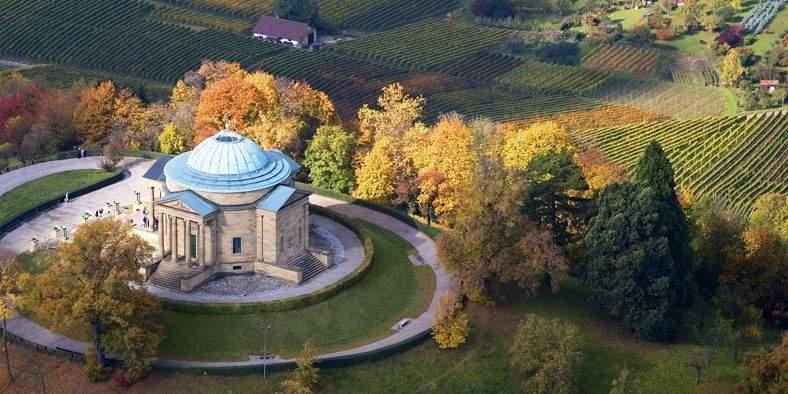Die Grabkapelle auf dem Württemberg; Foto: Staatliche Schlösser und Gärten Baden-Württemberg, Achim Mende