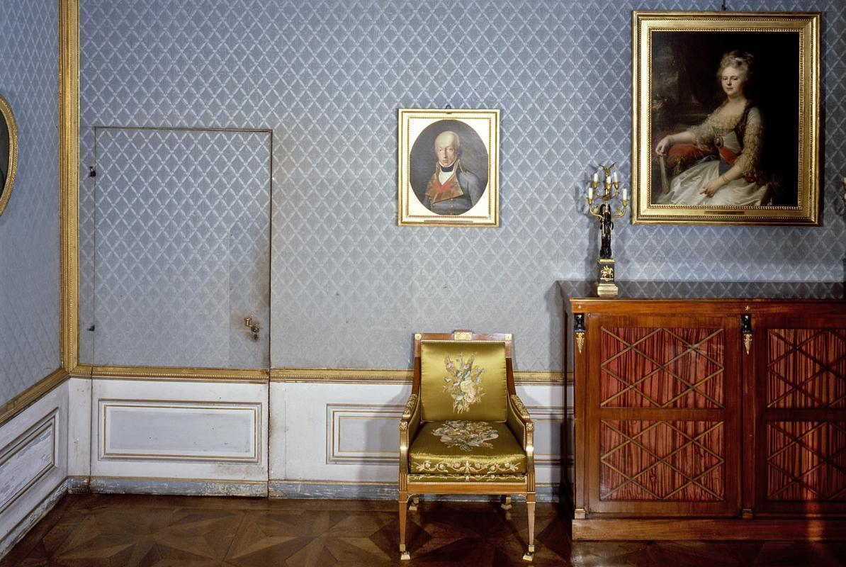 Old writing room with a hidden door in the king's apartment at Ludwigsburg Residential Palace. Image: Landesmedienzentrum Baden-Württemberg, Dieter Jäger