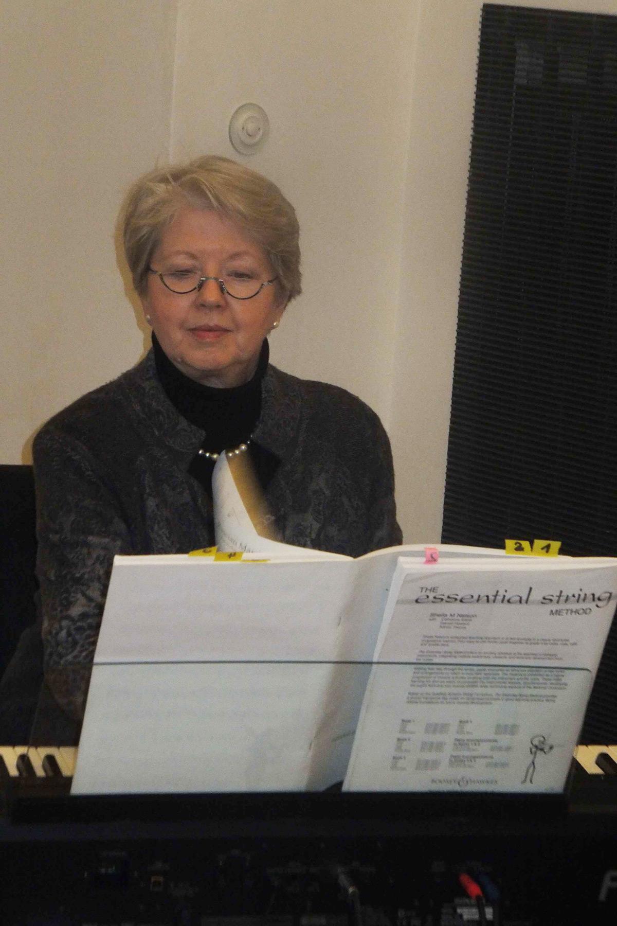 Ilse Hahn (Piano); Foto: Dr. Eva Maria Schneider-Gärtner