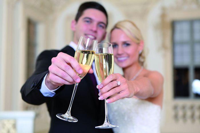 Feierndes Brautpaar