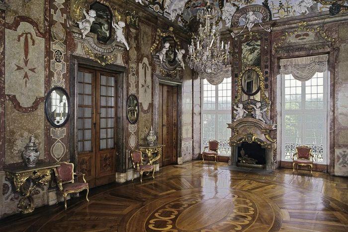 Jagdpavillon des Residenzschlosses Ludwigsburg mit Marmorsaletta von Giacomo Antonio Corbellini