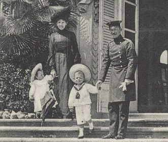 Image: Princess Olga and Prince Maximilian with their children, Ludwigsburg Residential Palace