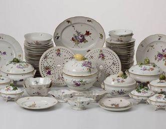 158-teiliges Speiseservice  aus dem Besitz von Königin Mary von Großbritannien