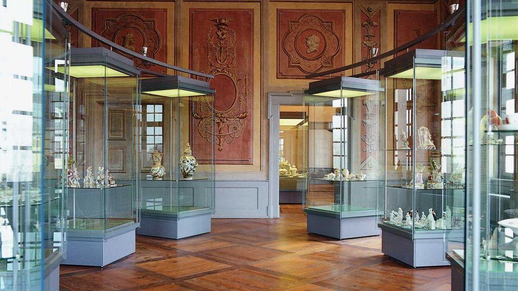 Blick in das Keramikmuseum im Residenzschloss Luwigsburg