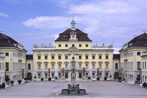 Château résidentiel de Ludwigsbourg, vue aérienne; l'image: Staatliche Schlösser und Gärten Baden-Württemberg, Ralf Cohen