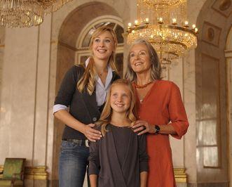 Besucher im Marmorsaal des Residenzschlosses Ludwigsburg