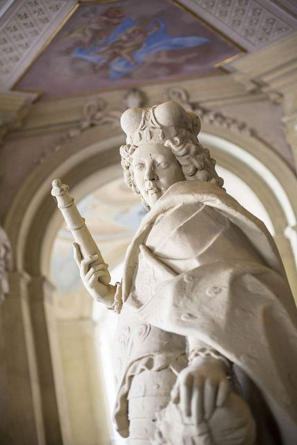 Ludwigsburg Palace, Statue with scepter