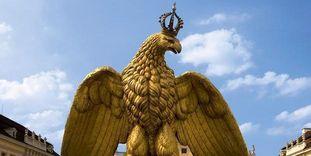 Adler auf dem Brunnen im Hof des Residenzschlosses Ludwigsburg