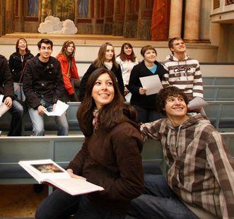 Schulklasse im Residenzschloss Ludwigsburg