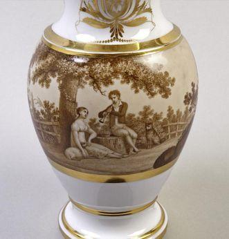 Detail of a water pitcher with Grisaille enamel, circa 1810. Image: Staatliche Schlösser und Gärten Baden-Württemberg, Andrea Rachele