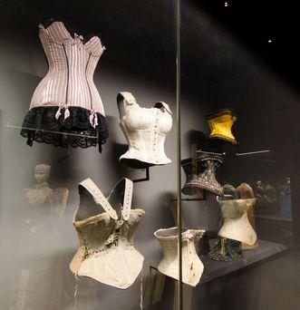 Corsage au musée de la Mode du château résidentiel de Ludwigsbourg