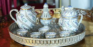 Ludwigsburg Residential Palace, Meissner porcelain belonging to Queen Charlotte Mathilde, 1810–1820.
