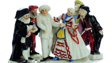 "Figurengruppe aus der ""Venezianischen Messe"", Ludwigsburger Porzellan, Keramikmuseum im Residenzschloss Ludwigsburg; Foto: Landesmuseum Württemberg"