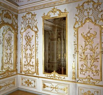 Image: Toilette in the new central building with wall decor by Joseph Maximilian Pöckhl at Ludwigsburg Residential Palace