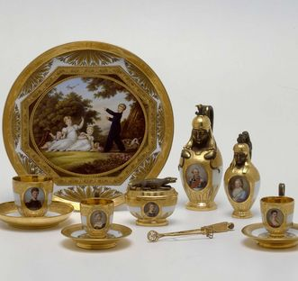 Ceramics museum at Ludwigsburg, Prince Paul's breakfast set, 1813. Image: Landesmuseum Württemberg, Hendrik Zwietasch and Peter Frankenstein