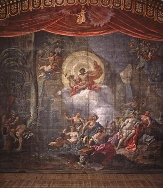 Apollo in an original set design for the palace theater. Image: Landesmedienzentrum Baden-Württemberg, Dieter Jäger